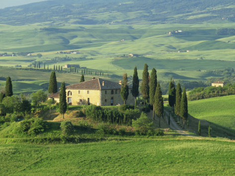 Italy Tuscany farmhouse-in-rolling-hills-val-d-orcia-san-quirico-d-orcia